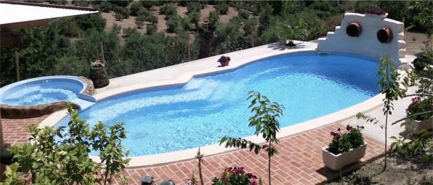 Piscinas prefabricadas de poli ster los mejores precios for Precios de piscinas de obra